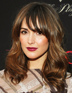 les cheveux chtain clair de rose byrne - Coloration Chatain