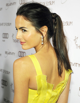 La queue-de-cheval revue par Camilla Belle